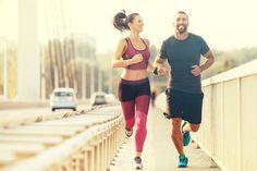 La corsa fa bene perché ti aiuta a dimagrire e a rimetterti in forma. Ecco il programma di allenamento da seguire per iniziare a correre.