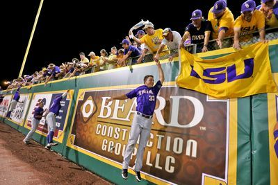 NCAA Baseball Tournament 2015 scores and bracket: LSU walks off with 9th-inning homer against Louisiana-Lafayette