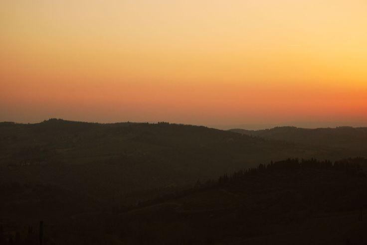 Tuscan Sunset by Viloukee #tuscany #italy #chianti #sunset #tuscan hills #photography