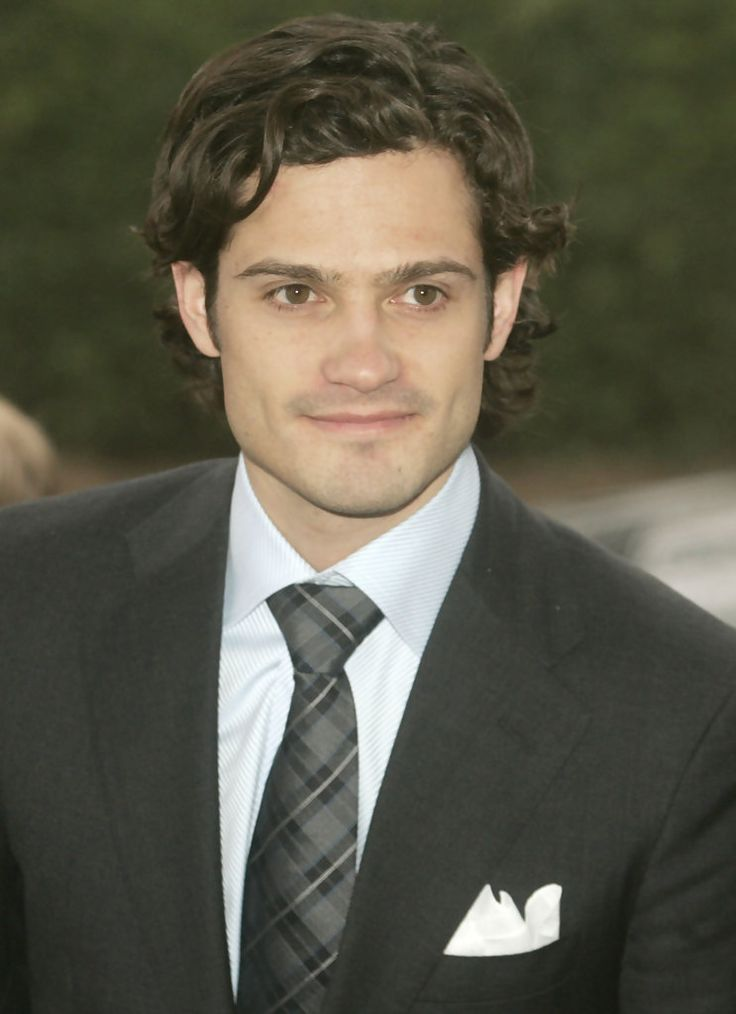 Prince Carl Philip. Men's mid-length curly hair