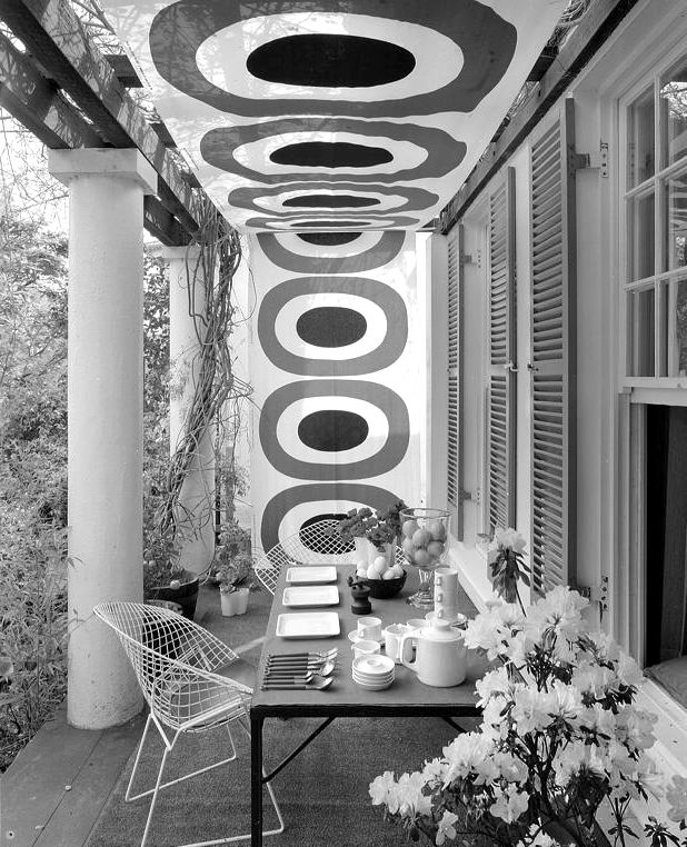 Marion Hall Best garden setting at her house, The Grove, Woollahra, 1969. Kerry Dundas photo.