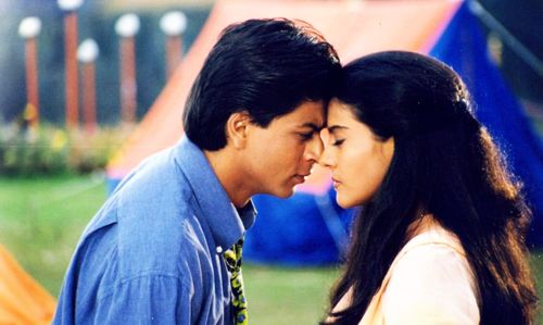 Perfection. #SRK #Shahrukh #Kajol #KKHH #Bollywood