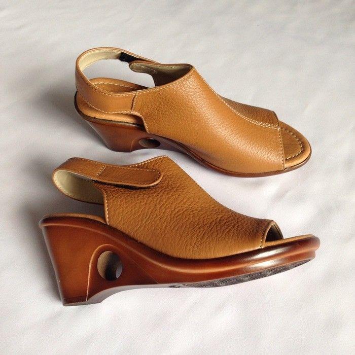 Saya Menjual Sandal Wedges Wanita Heels 7 Cm Coklat Asli Kulit