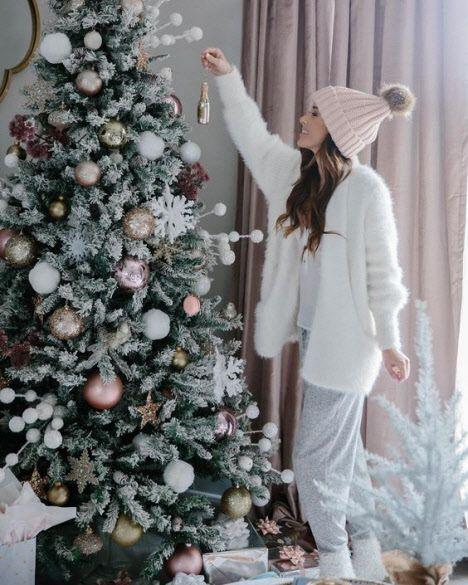#amp #christmashairstyles #weihnachtsfrisuren Hier finden Sie eine Reihe von 50 Frisuren die Ihnen bei der Auswahl Ihrer Weihnachts- und Urlaubsfrisur…
