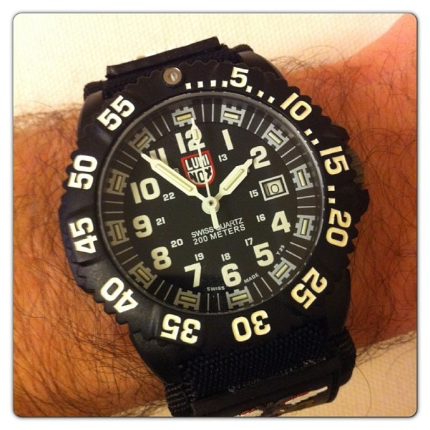 Вот специально купил себе новые часы, чтобы на съемки не опаздывать! Как у главного героя из Морского боя! Правда, он везде опаздывал )) #watch #wristwatch #luminox #military #часы #menswatch #menswatches #luminoxwatch #waterresistant