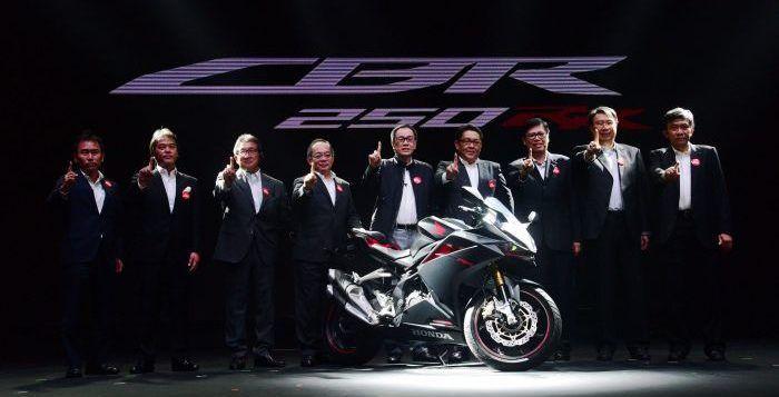 Perbandingan Honda CBR250RR Vs Yamaha R25 dan Ninja 250 FI