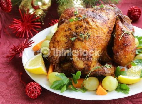 """Un espléndido pavo relleno con #jamón y más cosas. Idea de Giovanni Barone. """"SPANISH STUFFED TURKEY - TACCHINO RIPIENO ALLA SPAGNOLA"""" http://fornelliinfiamme.blogspot.com.es/2013/12/spanish-stuffed-turkey-tacchino-ripieno.html"""