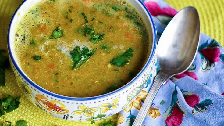 Zuppa di legumi alla curcuma