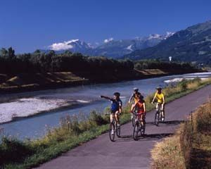 riding a bike with your friends is really a fun in warm and sunny weather.it is actually quit beutiful.you can get tour around the zurich lake while you riding a bike with your friends.on this cycling tour ,you will experience the wonderful highlights of switzerland.