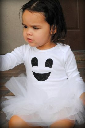 Cute ghost costume, if I ever have a little girl