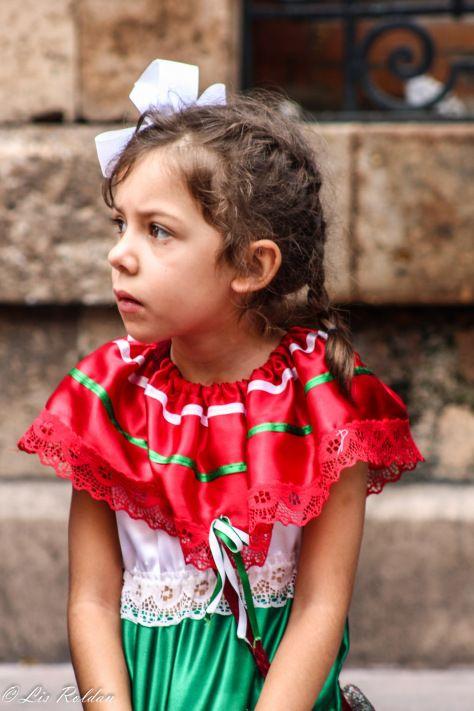 Niña mexicana, día del grito de Dolores en México