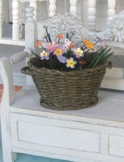 how to: basket (by Mercedes of Liberty Biberty, using tutorial linked)