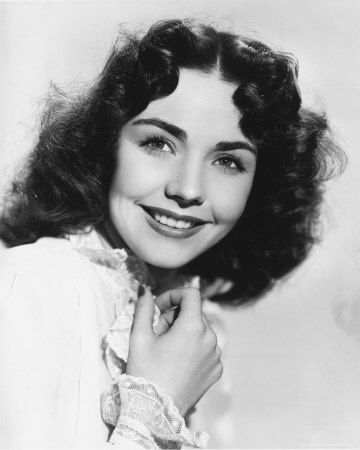 "Jennifer Jones (1919 - 2009) Popular actress in the 1940s and 1950s, starred in ""The Song of Bernadette"", ""Portrait of Jennie"", ""Since You Went Away"" and other movies.  Jones was born Phylis Lee Isley in Tulsa, Oklahoma"