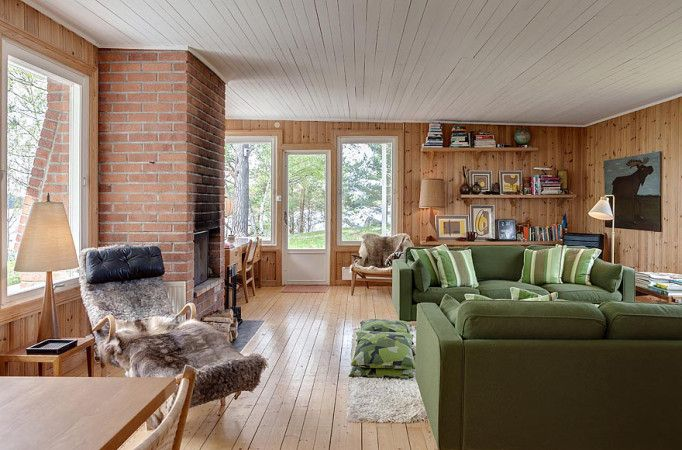 A Mid-Century Modern house in Sweden with 4 bedrooms in 1,130 sq ft…