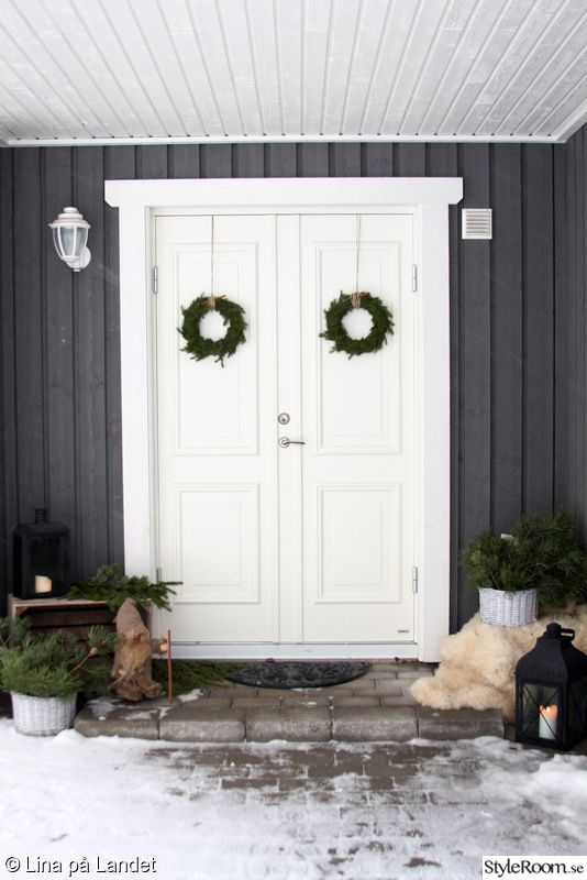 ytterdörr,entredörr,kransar,julkrans,pardörrar