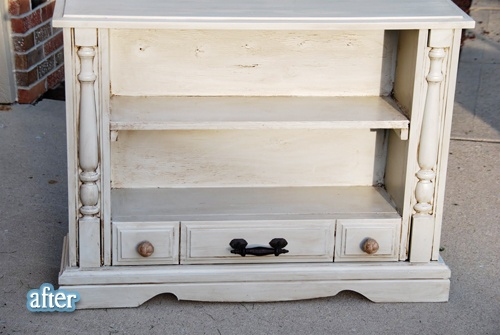 People that can give a new life to old furniture are such an inspiration - this is beautiful