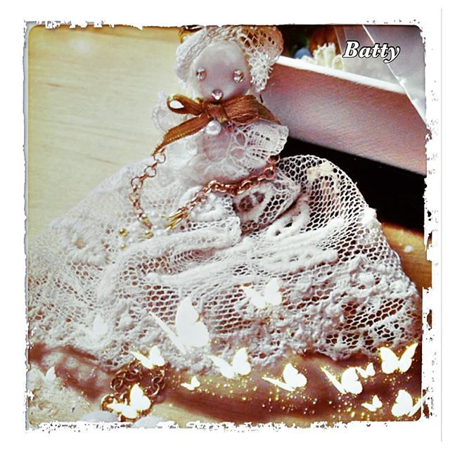 #batterflyfirenze #batty #pizzoantico #bijoux #ciondolo #handmade #madeinflorence #madeinitaly #madewithlove #romantic