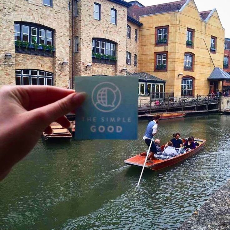 Found #thesimplegood along the historical #CamRiver in #Cambridge, United Kingdom! Thanks for the photo, @noortoshani !  Follow us on Instagram @thesimplegood   Find the Simple Good near you? Take a picture and tag us! . . . #universityofcambridge #unitedkingdom #europe #travels #stickerart #streetart #positivevibes #positivity #history __hugoclair__👍👋