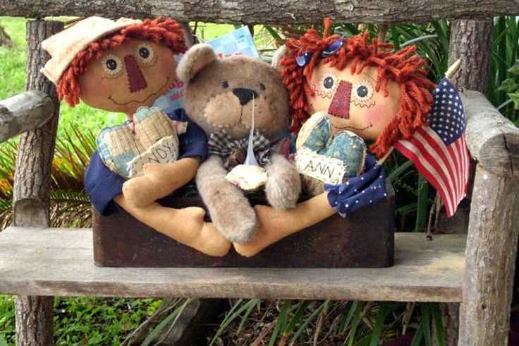 Primitive pattern Old Toy Box Welcome Light Annie,Andy & Teddy Bear Sooo Cute !!