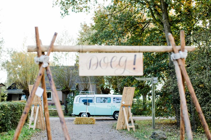 Foto credits: Inge Kooiman. Onze VW T2 bus op de trouwbeurs Jullie Feestje.
