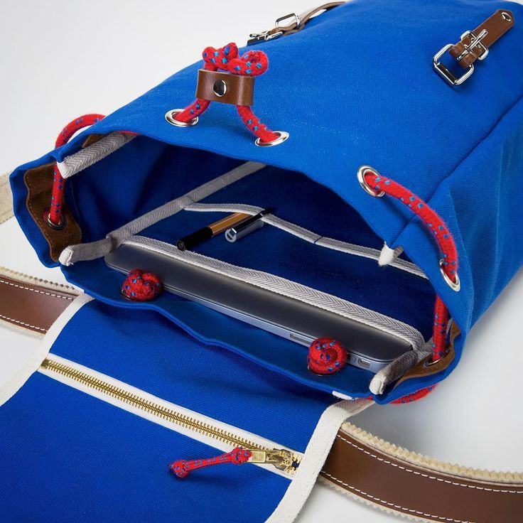 The blue MATRA Mini from the inside! Pockets and sleeves for all your carry needs! #ykra #matramini #backpack #rucksack #sacados