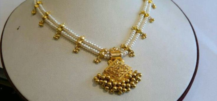 pearl-necklace-with-gold-pendant