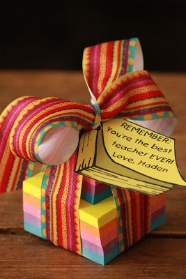 First, I'd love for you to stop by the Pretty Packages Party  and link up one of your packages or Teacher Appreciation Gift ideas! Click her...