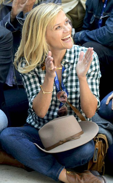 http://www.galaxypicture.com/2016/12/reese-witherspoon-hollywood-actress.html
