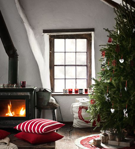 I would love to wake up here Christmas morning. :)