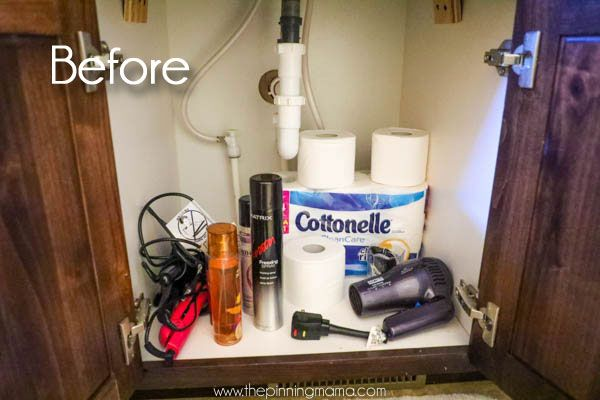 Give yourself double the space in your bathroom cabinets with these five Bathroom Hacks to Keep Organized!  These are so simple and super smart. Including solutions for organizing ideas for make up…