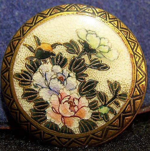 Antique Japanese Satsuma Porcelain Big Flowers Button