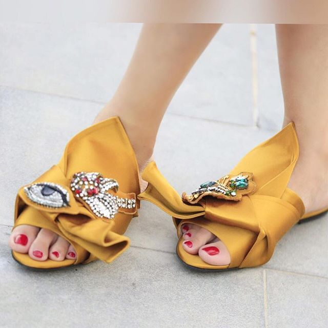 Bow-Embellished Satin Sandals N rvFUHbj