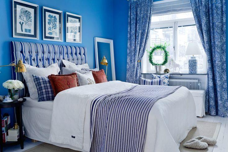 Firul comun este de culoare albastră - o culoare care nu obosesc - acasă Confortabil