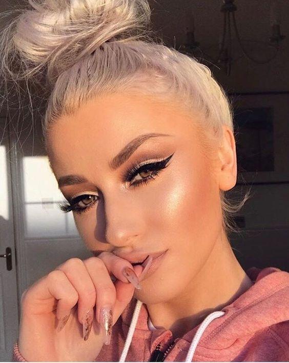 Beautiful Cateye Highlighter Lips  Sunkissed Etc