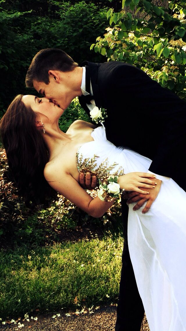 My favorite prom photo :)