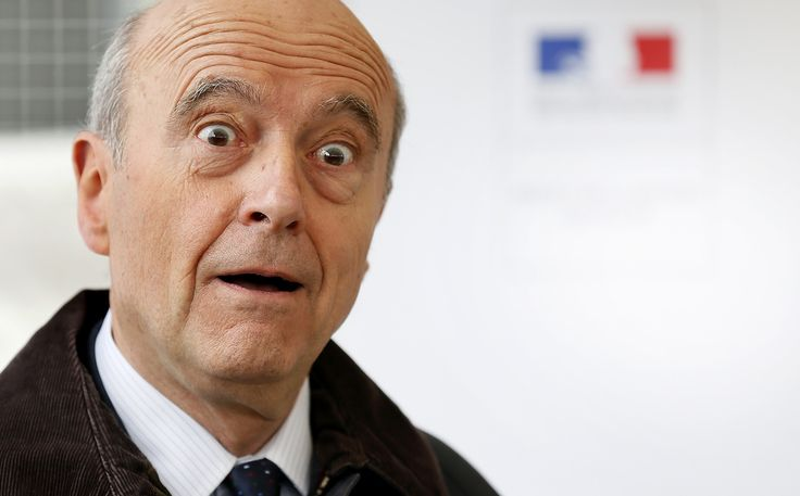 J'adore l'expression du visage de Juppé, c'est un peu comme si je venais lui annoncer à sa sortie des toilettes qu'il venait d'être élu président de la République. Le pauvre, sur le Web, il est devenu la star des momies, même Rames II pourrait être son...