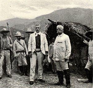 Calixto García and William Ludlow in Cuba, 1898.jpg