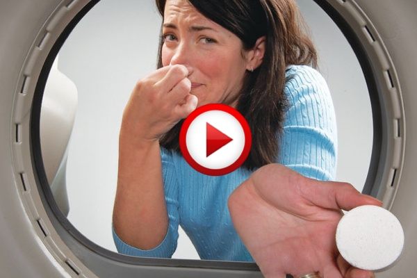 How To Clean A Smelly Spice Or Coffee Grinder Video #cooking, #kitchen, #food, #pinsland, #howto, https://apps.facebook.com/yangutu