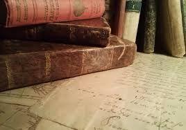 """""""He buscado por todas partes el sosiego y no lo he encontrado sino en un rincón apartado, con un libro en las manos"""". Tomás Kempis"""