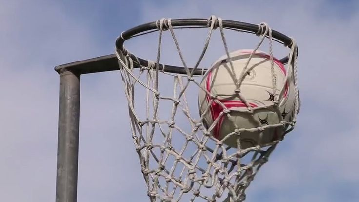 New Zealand police netball team stop fight, win game https://tmbw.news/new-zealand-police-netball-team-stop-fight-win-game  By News from Elsewhere... ...as found by BBC MonitoringAuckland police officers have arrested a man for an alleged aggravated assault which took place next to where they were playing an off-duty game of netball, it's been reported.Five of the seven players on their team work for Waitemata Police in Auckland's North Shore, and they temporarily abandoned their match…
