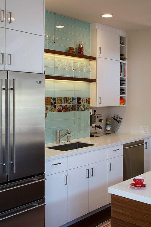 стеклянная-плитка-на-кухне-7