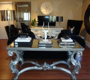 Amazing table. Would be a great idea for a dining table