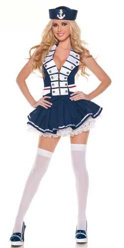 chica disfrazada de marinera sexy
