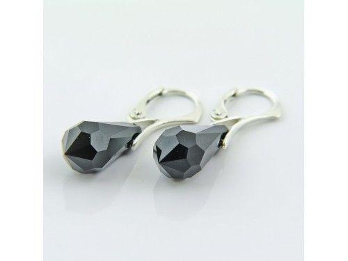 KOLCZYKI SWAROVSKI DROP 18MM JET SREBRO 925 - KL2146 Materiał: Srebro 925 + kryształ Swarovski Elements Kolor: Jet Rozmiar kamienia: 1,8cm Wysokość kolczyka: 3,3cm Waga srebra: 1,33g ( 1 para ) Waga kolczyków z kamieniami: 4,36g