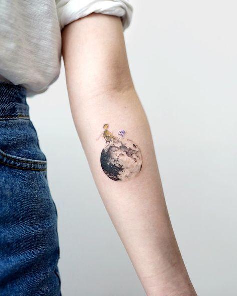 Tatuajes inspirados en libros, que las letras le den sentido a tu tattoo   Tatuajes de arte corporal, Tatuaje principito, Estudio de tatuajes