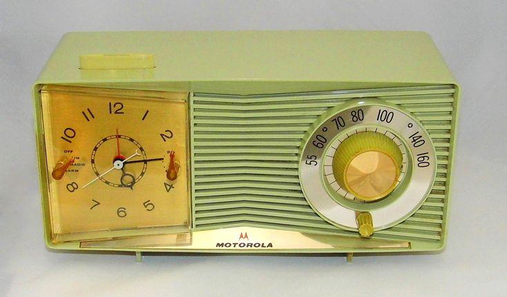https://flic.kr/p/24pJYvB | Vintage Motorola Table Clock Radio, Model C3G-1, AM Band, 5 Vacuum Tubes, Made In USA, Circa 1959