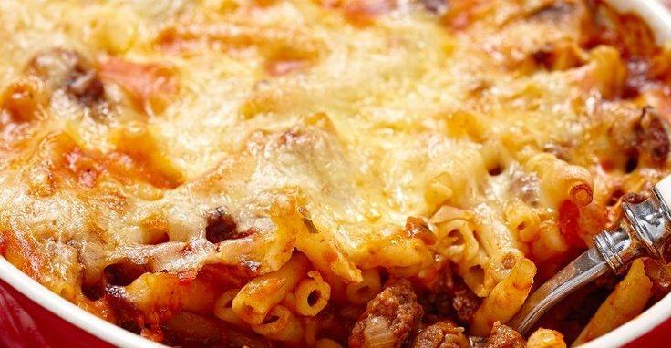 Old Fashioned Macaroni & Beef Casserole   – Yummies