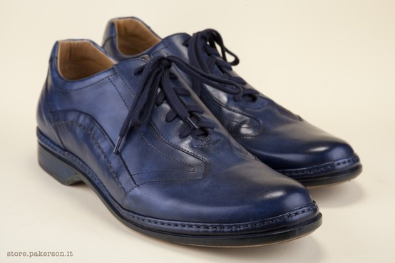 Pakerson Lace-up Shoes for Men: sporty and and accurately constructed, a must-have of Italian style. Visit Pakerson Store, wear the excellence of Hand Made shoes. - Scarpe Allacciate Pakerson per Uomo: casual e curate, un must di stile e bellezza. Visita lo Store Pakerson, indossa l'eccellenza delle calzature Hand Made in Italy. http://store.pakerson.it/man-lace-up-shoes-16001-navy.html