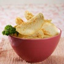 GARLIC & CHEESE POTATO CHIPS http://www.sajiansedap.com/mobile/detail/2193/garlic-cheese-potato-chips