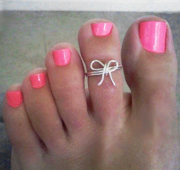 bow toe ringIdeas Nails, Awesome Nails, Cute Nails, Bows Rings, Bows Toes, Toe Rings, Bow Rings, Nail Ideas, Toes Rings
